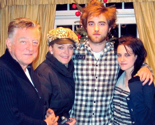 Robert Pattinson Christmas on Catching Up On All I   Ve Missed About Rob Pattinson