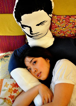 Robert Pattinson Pillow on Twilight Robert Pattinson Body Pillow